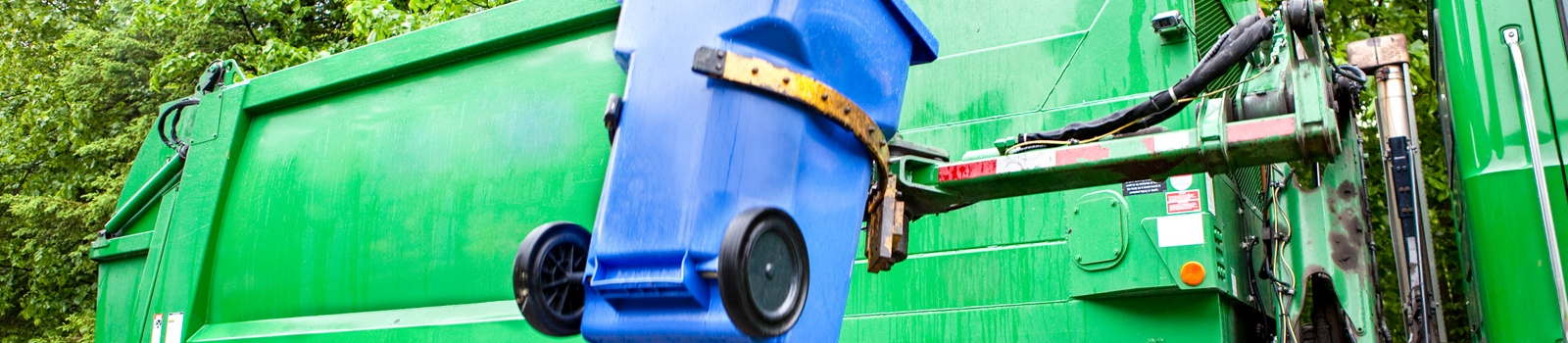 Waste Robot Arm Loading Garbage Truck